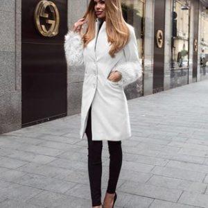 palton alb cu blana