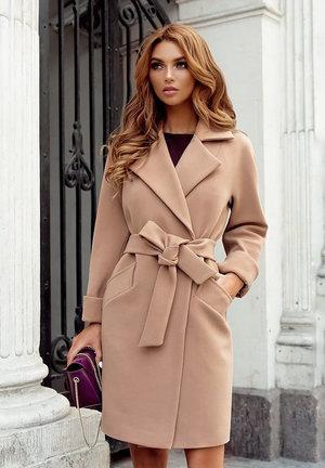 palton dama bej