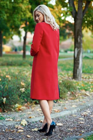palton rosu drept