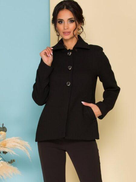 palton scurt negru cu nasturi