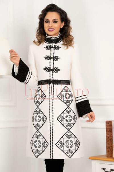 palton-effect-alb-elegant-brodat-cu-motive-traditionale